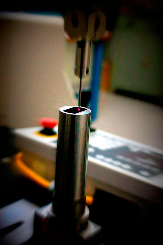Usinagem de precisão em torno CNC